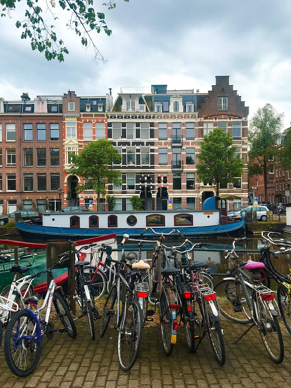 Our Amsterdam Adventure - An Airbnb Disaster and Arriving in Oud-West
